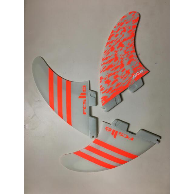 O'NEILL(オニール)のFCS 2 エフシーエス ジュリアンウィルソン L サイズ スポーツ/アウトドアのスポーツ/アウトドア その他(サーフィン)の商品写真