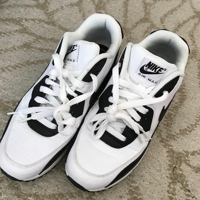 NIKE(ナイキ)のNIKE♡エアマックス90  ウィメンズ レディースの靴/シューズ(スニーカー)の商品写真