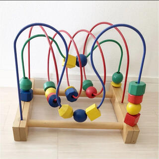 イケア(IKEA)のルーピング(知育玩具)