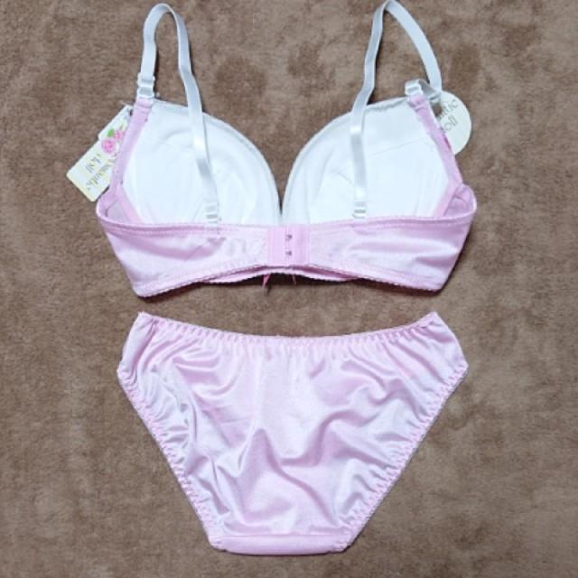 新品タグ付き!白ピンク ブラショーツセット レース リボン 可愛い 下着パンツ レディースの下着/アンダーウェア(ブラ&ショーツセット)の商品写真