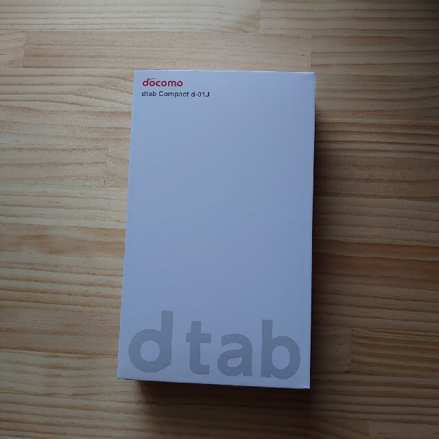 NTTdocomo(エヌティティドコモ)のdocomo compact d-01J dtab タブレット スマホ/家電/カメラのPC/タブレット(タブレット)の商品写真