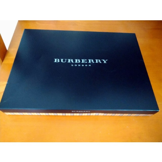 BURBERRY(バーバリー)のバーバリーフラットシーツ インテリア/住まい/日用品の寝具(シーツ/カバー)の商品写真