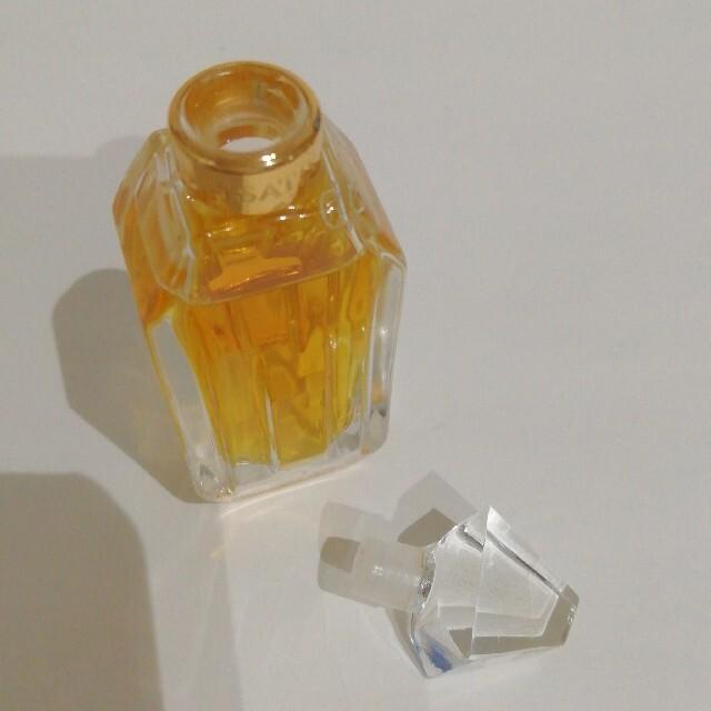 Yves Saint Laurent Beaute(イヴサンローランボーテ)のイヴ・サンローラン イザティス パルファム 7ml コスメ/美容の香水(香水(女性用))の商品写真