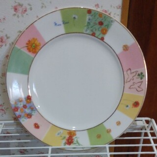 ニナリッチ(NINA RICCI)のNINA RICCIお皿購入可能な方値下げ(食器)