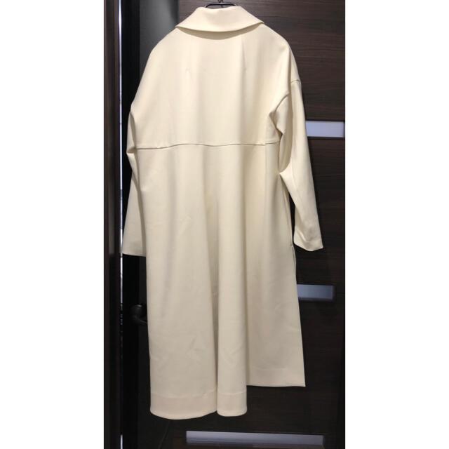 ENFOLD(エンフォルド)のエンフォルド ENFOLD  ダブルクロス スプリングコート クリーム色 36 レディースのジャケット/アウター(スプリングコート)の商品写真