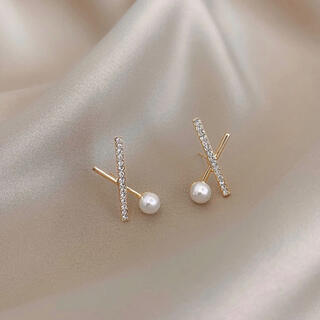 AHKAH - cross line pearl zirconia pierce ◯s925