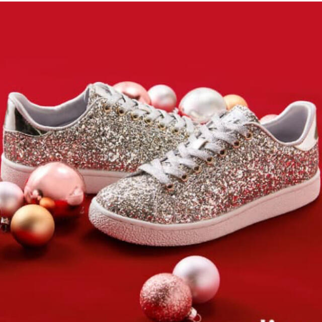DIANA(ダイアナ)のDIANA クリスマス限定 スニーカー レディースの靴/シューズ(スニーカー)の商品写真