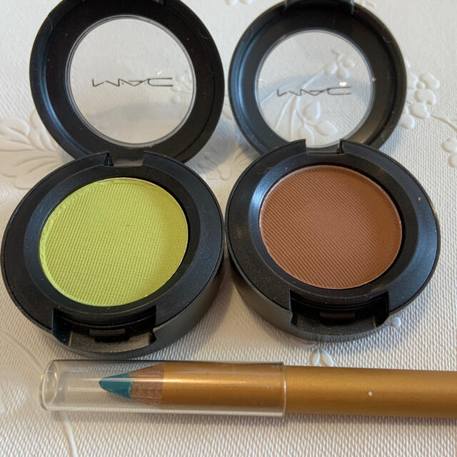 MAC(マック)のMAC アイシャドウ セット おまけ付き コスメ/美容のベースメイク/化粧品(アイシャドウ)の商品写真