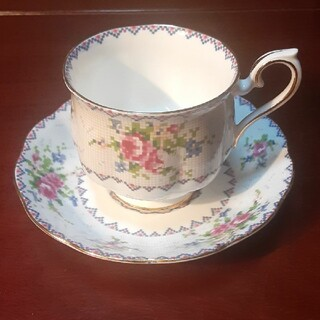 ロイヤルアルバート(ROYAL ALBERT)のカップ&ソーサー(食器)