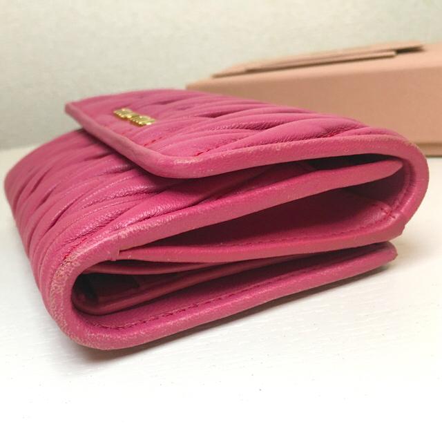 miumiu(ミュウミュウ)のmiumiu ミュウミュウ 財布 二つ折り  レディースのファッション小物(財布)の商品写真