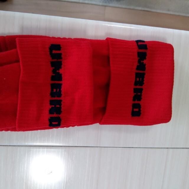 UMBRO(アンブロ)のアンブロ☆赤サッカーソックス ジュニア スポーツ/アウトドアのサッカー/フットサル(ウェア)の商品写真