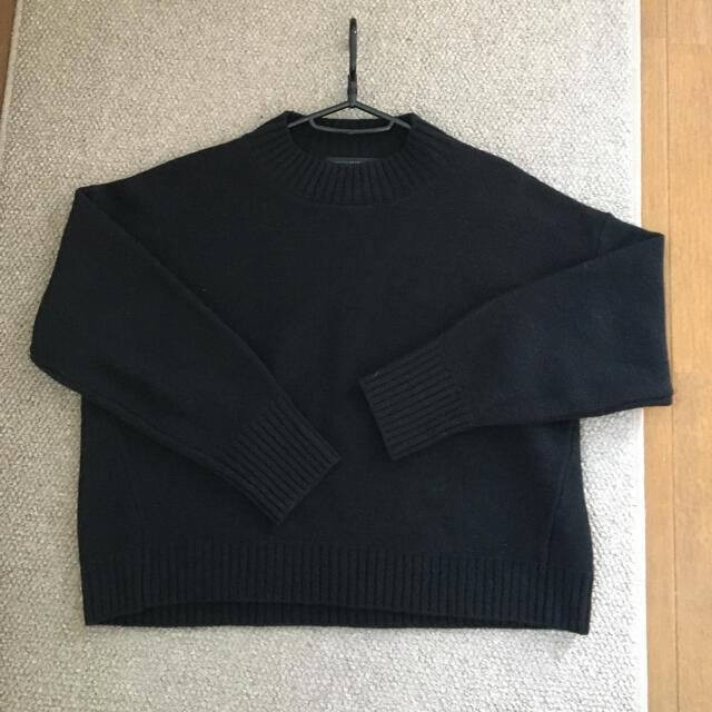 URBAN RESEARCH(アーバンリサーチ)のラムウールショート丈ニット、黒、アーバンリサーチ レディースのトップス(ニット/セーター)の商品写真
