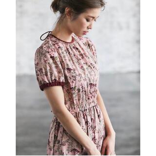 【タグ付き未使用】seventen バックリボンプリントドレス
