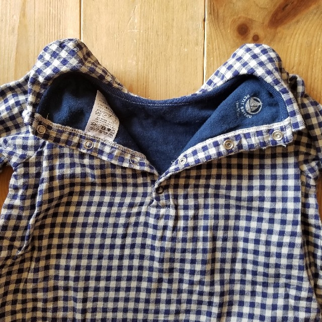 PETIT BATEAU(プチバトー)のプチバトー ギンガムチェックロンパース 81センチ キッズ/ベビー/マタニティのベビー服(~85cm)(ロンパース)の商品写真