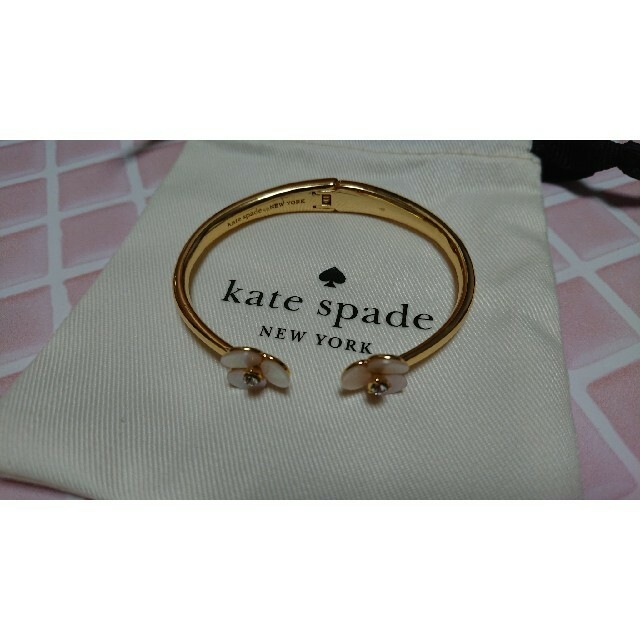 kate spade new york(ケイトスペードニューヨーク)のメンサ様  kate spade ディスコパンジー バングル レディースのアクセサリー(ブレスレット/バングル)の商品写真