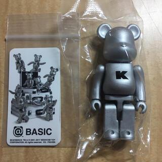 メディコムトイ(MEDICOM TOY)のベアブリック シリーズ34 BASIC K(キャラクターグッズ)