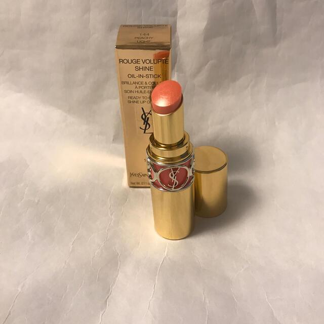 Yves Saint Laurent Beaute(イヴサンローランボーテ)のイヴ  サンローラン ルージュヴォリュプテシャイン コスメ/美容のベースメイク/化粧品(口紅)の商品写真