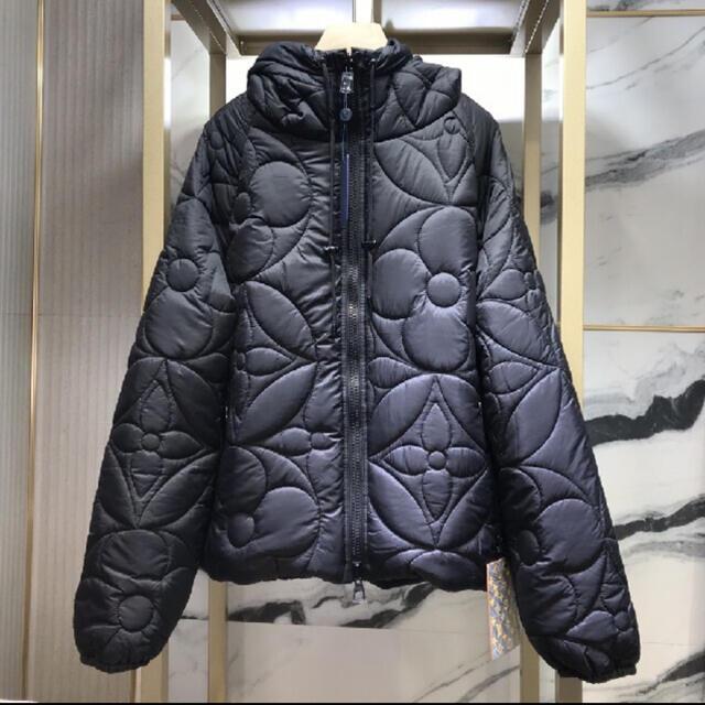 ヴィトン ダウンジャケット リバーシブル メンズのジャケット/アウター(ダウンジャケット)の商品写真