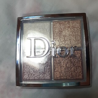 Christian Dior - ディオールバックステージ フェイスグロウパレット001