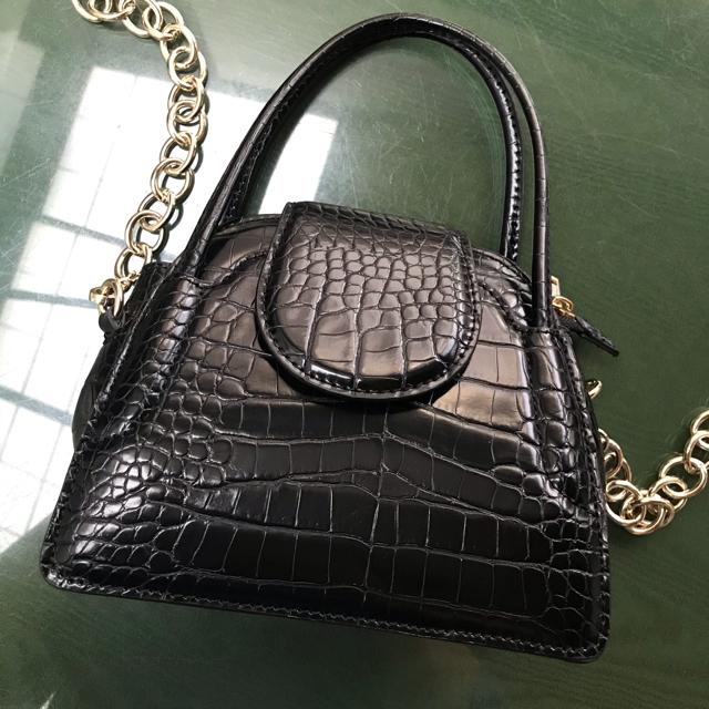 ZARA(ザラ)のアニマル柄ミニシティバッグ ZARA クロコ レディースのバッグ(ショルダーバッグ)の商品写真