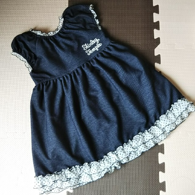 Shirley Temple(シャーリーテンプル)のシャーリーテンプル デニムワンピース 110 キッズ/ベビー/マタニティのキッズ服女の子用(90cm~)(ワンピース)の商品写真