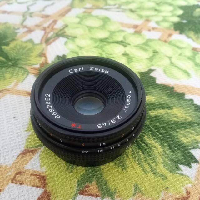 京セラ(キョウセラ)のCONTAX Carl Zeiss Tessar 45mm F2.8 T* MM スマホ/家電/カメラのカメラ(レンズ(単焦点))の商品写真