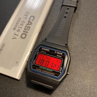 カシオ(CASIO)の【新品】CASIO F84W-1 レッド液晶 反転 カスタム 腕時計 (腕時計(デジタル))