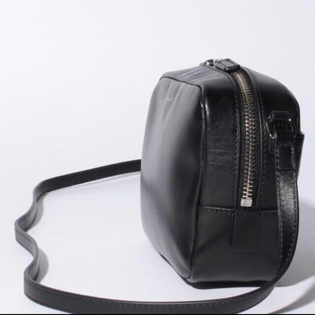 agnes b.(アニエスベー)のagnes b.レザーショルダーバッグ レディースのバッグ(ショルダーバッグ)の商品写真