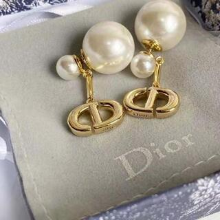 Dior - DIOR  CD  パール ピアス