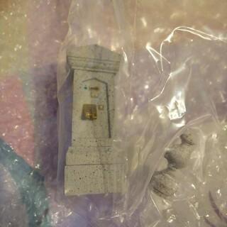 Disney - ディズニー ミニチュアフィギュア ファストパス発券機(FP)ホーンテッドマンショ