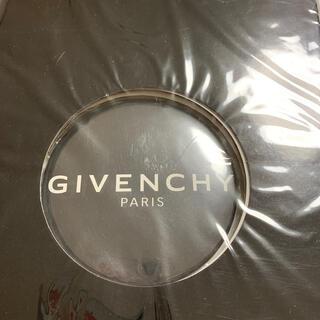 ジバンシィ(GIVENCHY)のVOGUE   JAPAN2015年6月号付録 GIVENCHY   缶バッジ(その他)