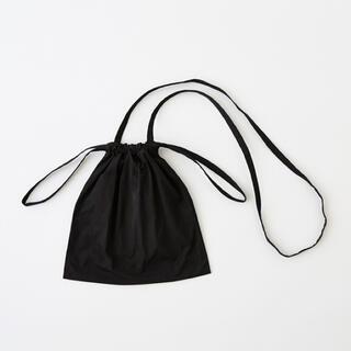 イデー(IDEE)のIDÉE Drawstring Bag Strap ブラック SS(ショルダーバッグ)