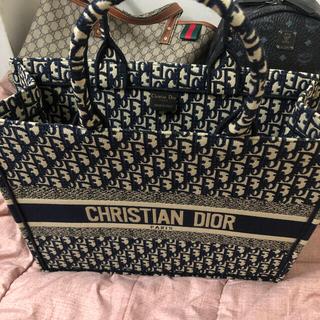 Christian Dior - dior クリスチャンディオール トートバッグ ディオール ブックトート