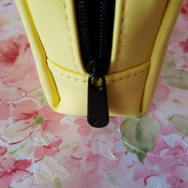 Dior(ディオール)のディオール ロゴ ポーチ イエロー ノベルティ レディースのファッション小物(ポーチ)の商品写真
