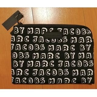 マークバイマークジェイコブス(MARC BY MARC JACOBS)の新品♪MARC BY MARC JACOBSタブレットケース ロゴポーチ(iPadケース)
