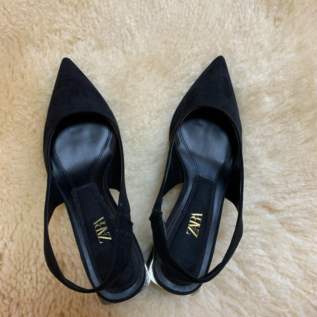 ZARA(ザラ)のZARA ブラック スエード調パンプス24.5cm:実際24cm相当 レディースの靴/シューズ(ハイヒール/パンプス)の商品写真