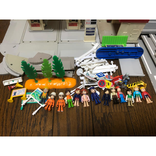 Takara Tomy(タカラトミー)のトミカタウン まとめ売り エンタメ/ホビーのおもちゃ/ぬいぐるみ(ミニカー)の商品写真