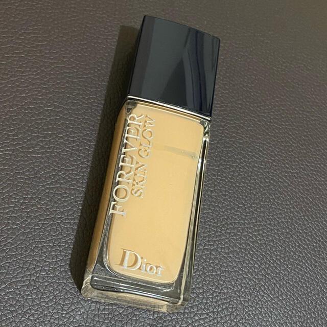 Dior(ディオール)のDIOR ディオールスキン フォーエヴァー フルイド グロウ 2W コスメ/美容のベースメイク/化粧品(ファンデーション)の商品写真