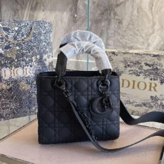 Christian Dior - 送料込Christmas Dior綺麗ですバッグ