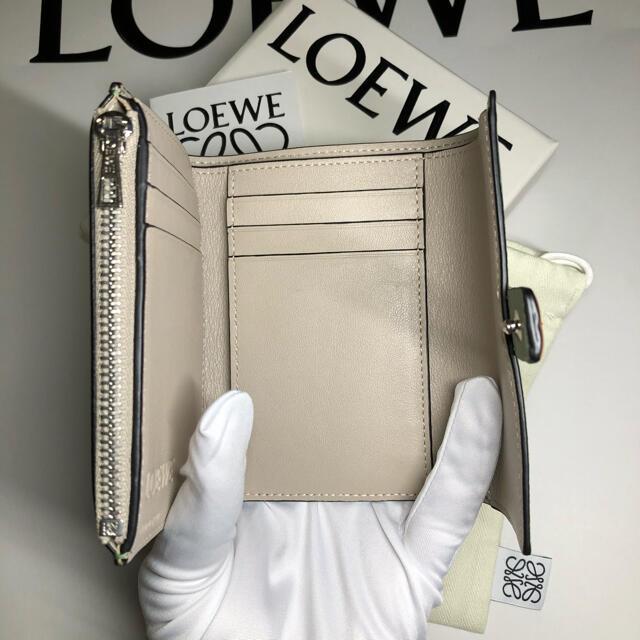 LOEWE(ロエベ)の激レア【本物】ロエベ  バーティカル ウォレット レディースのファッション小物(財布)の商品写真