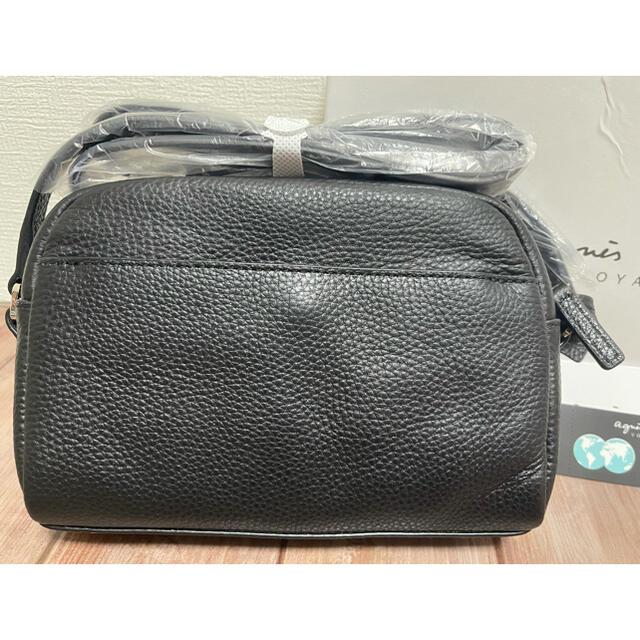agnes b.(アニエスベー)の新品未使用 アニエスベー エンボスロゴ レザーショルダーバッグ ブラック レディースのバッグ(ショルダーバッグ)の商品写真