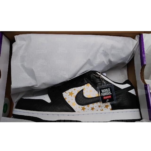 Supreme(シュプリーム)のSupreme®/Nike® SB Dunk Low BLACK メンズの靴/シューズ(スニーカー)の商品写真