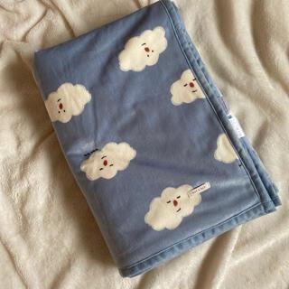 フタフタ(futafuta)の新品未使用 雲柄 ひざ掛け毛布(毛布)