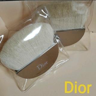 クリスチャンディオール(Christian Dior)の【未使用・2つ】Dior ディオール メイクブラシ(チーク/フェイスブラシ)