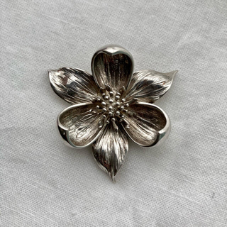 ティファニー(Tiffany & Co.)のティファニー フラワー ブローチ シルバー925(ブローチ/コサージュ)