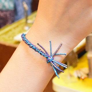 送料込☆手編み ラメ混 2カラーゴム編み ブレスレット ヘアゴム ブルー(ブレスレット/バングル)