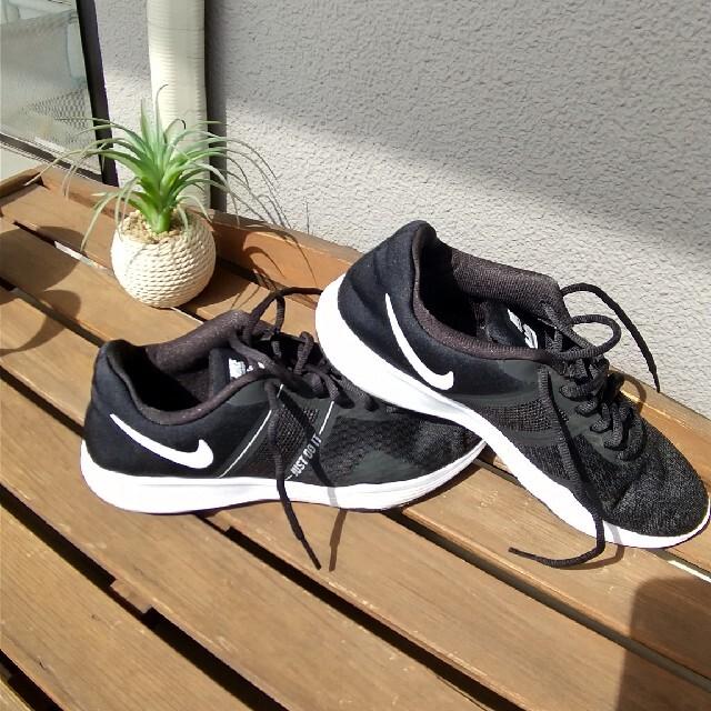 NIKE(ナイキ)のあーゆー様専用 ナイキ  スニーカー  24.5cm レディースの靴/シューズ(スニーカー)の商品写真