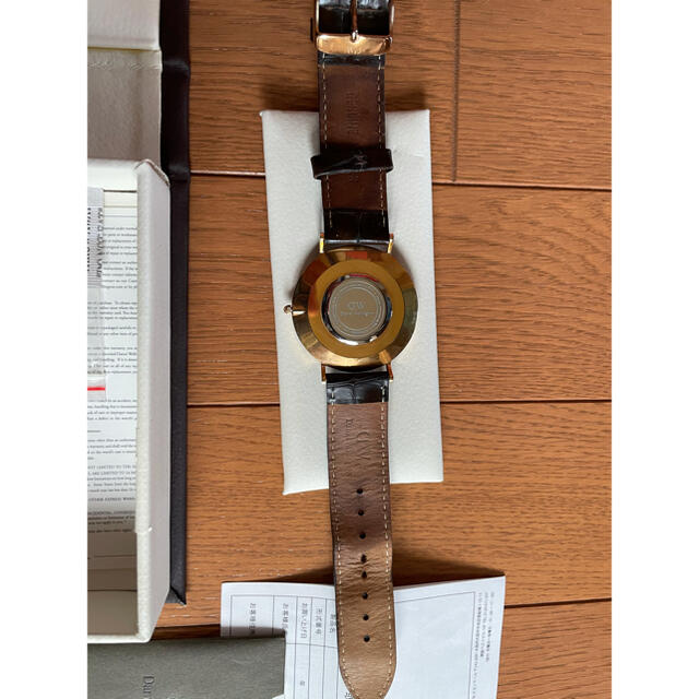 Daniel Wellington(ダニエルウェリントン)のダニエルウェリントン クロコダイルレザー腕時計 メンズの時計(レザーベルト)の商品写真