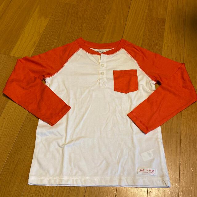 GAP Kids(ギャップキッズ)のGAPキッズロンT キッズ/ベビー/マタニティのキッズ服男の子用(90cm~)(Tシャツ/カットソー)の商品写真