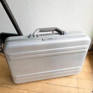 ゼロハリバートン(ZERO HALLIBURTON)のゼロハリバートン アタッシュケース ブリーフケース アルミ製(ビジネスバッグ)